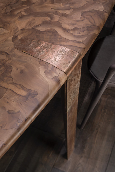 Dining table Oxymoron, design Massimo Castagna for Henge